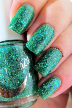 It's all about the polish: Celestial Cosmetics new Glitters - Celestial Sphere, Comet Lulin, Bright Blue Sky, Brown Dwarf and Black Hole