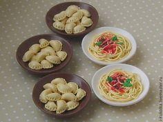 Миниатюра ручной работы. Ярмарка Мастеров - ручная работа. Купить Спагетти и вареники. Handmade. Спагетти, еда, миниатюра для кукол