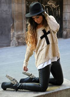Angela Rozas. Madame de Rosa Fashion Blogger from Spain. Embellished black boots | cream jumper with cross | fedora