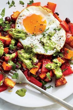 Southwestern Sweet Potato and Egg Hash Southwestern Sweet Potato and Egg Hash Healthy Meat Recipes, Delicious Breakfast Recipes, Brunch Recipes, Healthy Snacks, Vegetarian Recipes, Healthy Eating, Healthy Life, Healthy Protein Breakfast, Healthy Fruits And Vegetables