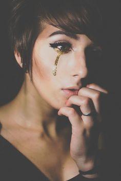 Tears of gold . fine art . glitter makeup . self Portrait . Janelle Putrich Photography