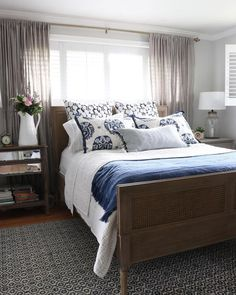 Magnificent Small Master Bedroom Ideas (Coloring, Decorating, and Storage Design Ideas) Magnificent Small Master Bedroom Ideas (Coloring, Decorating, and Storage Design Ideas) small master bedroom ideas Master Bedroom Layout, Small Master Bedroom, Master Bedroom Makeover, Bedroom Layouts, White Bedroom, Window Behind Bed, Curtains Behind Bed, Small Bedroom Ideas For Couples, Couple Bedroom