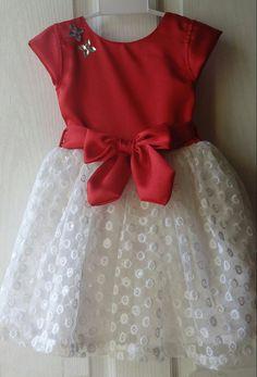Girls Frock Design, Kids Frocks Design, Baby Frocks Designs, Baby Dress Design, Kids Dress Wear, Kids Gown, Baby Girl Frocks, Frocks For Girls, Girls Dresses Sewing