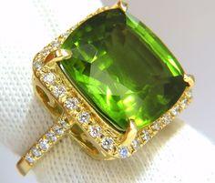 GIA 19.30ct NATURAL VIVID GREEN CUSHION PERIDOT DIAMOND RING HALO 18KT