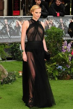 Charlise Theron  at Snow White & The Huntsman premiere. LOVE THIS DRESS!!!