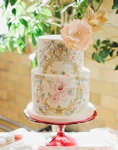 Este bolo de casamento é perfeito para um casamento no estilo vintage!