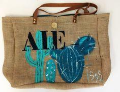 Sac en toile de jute, sac cactus, cabas cactus de la boutique Isasgallery sur Etsy Sacs Tote Bags, Reusable Tote Bags, Jute Bags, Tassels, Burlap, Boutique, Etsy, Deco, Business