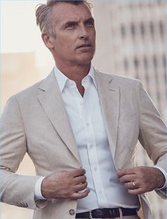 The Pitch: J.Hilburn Tackles Corporate Style for Spring Collection Custom Made Clothing, Love Clothing, Clothing Company, Mens Linen Jackets, Corporate Style, Mens Fashion Suits, Men's Fashion, Summer Lookbook, Gentleman Style