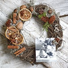 Christmas wreath with photo Christmas Wreaths, Merry Christmas, Christmas Decorations, Crowns, Merry Little Christmas, Wish You Merry Christmas, Christmas Decor, Christmas Tables, Christmas Jewelry