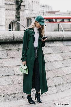London Fashion Week осень-зима 2017-2018 - street style