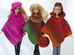 Crochet doll clothes: poncho ++ hat- Puppenkleidung häkeln: Poncho ++ Hut Crochet pattern holiday wardrobe for (Barbie) dress-up dolls pieces) - Barbie Knitting Patterns, Barbie Clothes Patterns, Doll Clothes Barbie, Crochet Doll Clothes, Dress Up Dolls, Barbie Dress, Barbie Barbie, Crochet Dolls, Crochet Patterns