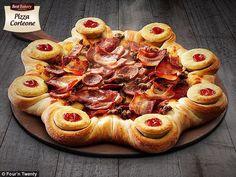 Pizza może mieć różne kształty i różne dodatki 😄 ale takie cuda jak na zdjęciu jeszcze nie spotkaliśmy 😄 to jest najbardziej zakręcona pizza z bekonem, salami, kiełbaską swojską i oczywiście z serem w rancie a jako ekstras jest jeszcze sos pomidorowy😄😄😄 Stefan