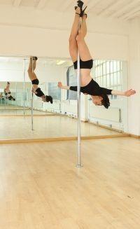 Pole dancing, so wanna learn! dream-gym