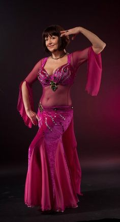 Belly Dancing Classes In Ct 9558581747 Belly Dancer Costumes, Belly Dancers, Dance Costumes, Hot Outfits, Dance Outfits, Dance Dresses, Belly Dance Lessons, Belly Dancing Classes, Dance Oriental