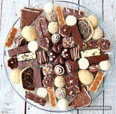 Recepti i Ideje: Kolači Eggless Desserts, Easy Desserts, Xmas Food, Christmas Desserts, Sweet Cookies, Cake Cookies, Sweets Recipes, Cookie Recipes, Posne Torte