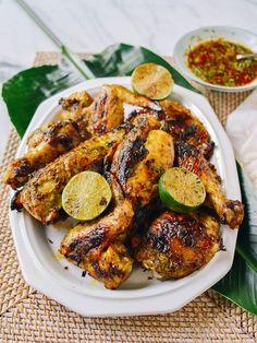 Thai Grilled Chicken, Korean Fried Chicken, Chicken Marinades, Grilled Chicken Recipes, Tandoori Chicken, Roasted Chicken, Gai Yang, Rice Noodle Soups, Japanese Sweet Potato