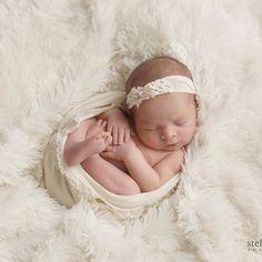 Just pretty. #newbornphotography #newbornphotography #michigannewbornphotography #baycitymi  #adorable #perfection #baycitymiphotographer  #midland #michiganphotographer  #baby #babyphotographer #saginawminewbornphotographer #michiganbabyphotographer