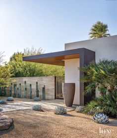 landscape architecture - A Modern Palm Springs Desert Home with Midcentury Style Modern Landscape Design, Modern Landscaping, Modern House Design, Landscaping Ideas, Desert Landscape, Yard Landscaping, Landscape Edging, House Landscape, Urban Landscape