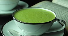 Matcha for Natural Healthy Weight Loss - The Daily Tea Matcha Tee, Runners Food, Morning Drinks, Nutrition, Healthy Weight Loss, Kuroko, Natural Health, Health And Wellness, Wellness Tips