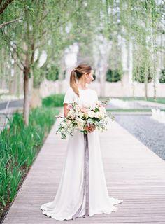 Elegant wedding bouquet: http://www.stylemepretty.com/little-black-book-blog/2017/03/21/modern-art-romantic-florals-wedding-inspiration/ Photography: Kayla Barker - http://www.kaylabarker.com/