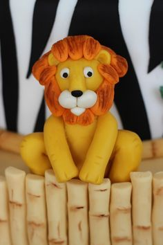 Tutorial for making a lion and other jungle animals out of modeling chocolate