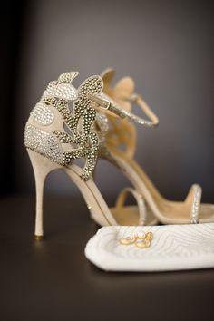 Timeless + Modern Country Club Wedding: http://www.stylemepretty.com/pennsylvania-weddings/pittsburgh/2015/10/19/timeless-modern-country-club-wedding/ | Photography: Micahelwill Photography - http://michaelwillphotography.com/