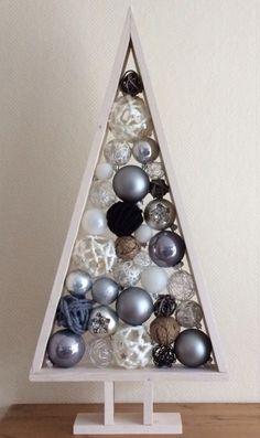 Kerstboom steigerhout met ballen#kerst