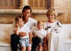 Prince Charles and Princess Diana with Prince William and Prince Harry in 1987 on vacation in Majorca with King Juan Carlos and Queen Sofia.