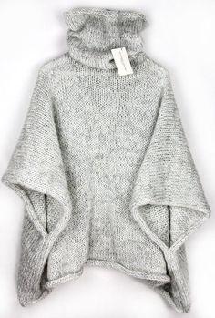Kuscheliger gestrickter Poncho für den Winter mit hohem Kragen / knitted cape for the winter season, knitwear made by Alexandra Milcarz via DaWanda.com