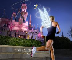1 month and a day until I run the DISNEY'S PRINCESS HALF MARATHON... (training for a 2hr 25min finish!) - and totally just noticed this is the Tinkerbell Half Marathon photo.. oh well, it's all the same.
