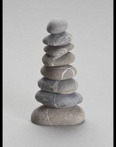 Deko-Objekte - Steinturm Fred 20cm aus 9 Steinen - ein Designerstück von Louvre-Cologne bei DaWanda Convenience Store, Rocks, Objects, Games, Gift, Tips, Deco, Convinience Store, Stone