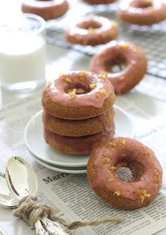 Baked Strawberry Lemon Donuts! Baked, cake-like donuts made of strawberries, honey and flour (milk, eggs, coconut oil) with a light lemon glaze! Sounds delicious and pretty darn healthy!!