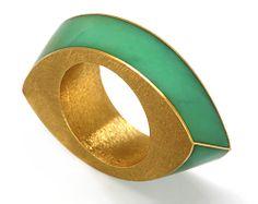 Renzo Pasquale Ring: Torsione, 1988 Chrysoprase, gold