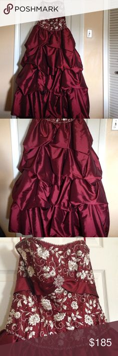 👑Beautiful ball gown👑 Princess Diaries Style! Worn twice for various Marine Corps Balls :) gently used, was my best friend after having a baby as it ties as a corset in back, boning inside, wonderful feel and support. Will miss this! Size 8, but wore this from a Large person's point of view at the time 36DD, and I was about a 12! Let the lace up straps adjust to your size. Flattering with long gloves, a tiara, and bling!(not included) think Princess Diaries!!! Dresses Strapless