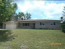 27 Royal Rd Springfield MI 49037 $94,900 Beautiful 3 Bedroom 2 bath Brick Ranch style home for sale in Westlake Woods area. COMPLETELY REMODELED and MOVE IN READY! Features include Fireplace in living room, 2 car attached garage with paved drive, Full basement,  Seller is selling The Property AS IS''. Buyer to verify all data. See all data and schedule a private showing at www.REOmamma.com or CLIENTS may call Richard Stewart 269-345-7000 REO Specialists llc