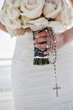 35 Gorgeous Wedding Bouquet Wraps Holders And Handles Ideas