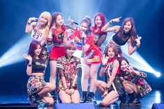 TWICE 'uncle fan' gifts the members with over $8,000 worth of luxury brand goods | http://www.allkpop.com/article/2016/01/twice-uncle-fan-gifts-the-members-with-over-8000-worth-of-luxury-brand-goods