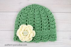 Crochet pattern for mommy and me matching cloche hat by pattern-paradise.com #crochet #patternparadisecrochet #hat #cloche #freepattern