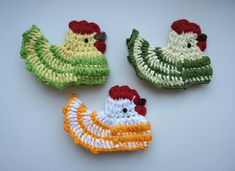 CROCHET A LOVELY COLORFUL Easter Chickens.  By using different kinds, sizes and colors of yarn You can customize your crochet chickens, just look at the photos for inspiration and use your imagination.  The pattern of this Easter Chicken is a step by step tutorial with a lot of detailed pictures.  • suitable for beginners • pattern contains clearly explained instructions for each round • many step-by-step photos This listing is for a CROCHET PATTERN ONLY and NOT THE FINISHED ITEM.