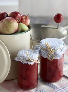 Omatekoinen omenahillo säilöö sadon - Kotiliesi.fi Apple Jam, Jar, Recipes, Food, Jars, Rezepte, Meals, Ripped Recipes, Recipe