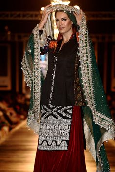 3. pakistani women traditional outfit (5)
