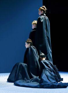 Viktor & Rolf Haute Couture Fall 2013.    #runway