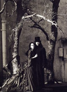 Winona Ryder and Gary Oldman on the set of Dracula (1992)