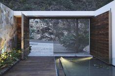 Contemporary entryway  Casa Almare - Mexico by Elías Rizo Arquitectos