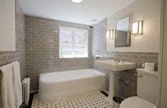 Italianate Townhouse - traditional - bathroom - other metro - Linda Yowell Architects