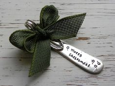 Christmas Ornament - Merry Christmas - silver plated - vintage - antique - butter spreader - stars - green burlap