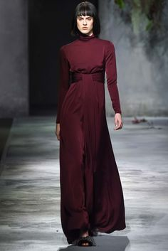 http://www.style.com/slideshows/fashion-shows/fall-2015-ready-to-wear/vionnet/collection/43