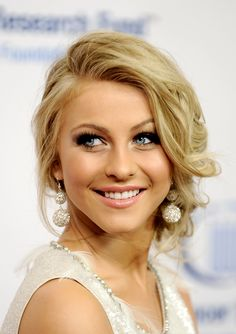 julianne hough / messy updo