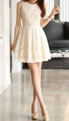 Ladylike Style Sleeveless Lace Pleated Dress