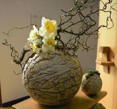 Vases - ceramic vase - a unique product by beckkeramik on DaWanda - Keramik - Vase ideen Ceramic Planters, Ceramic Vase, Ceramic Pottery, Deco Floral, Floral Design, Cerámica Ideas, Vase Ideas, Organic Ceramics, Cement Crafts